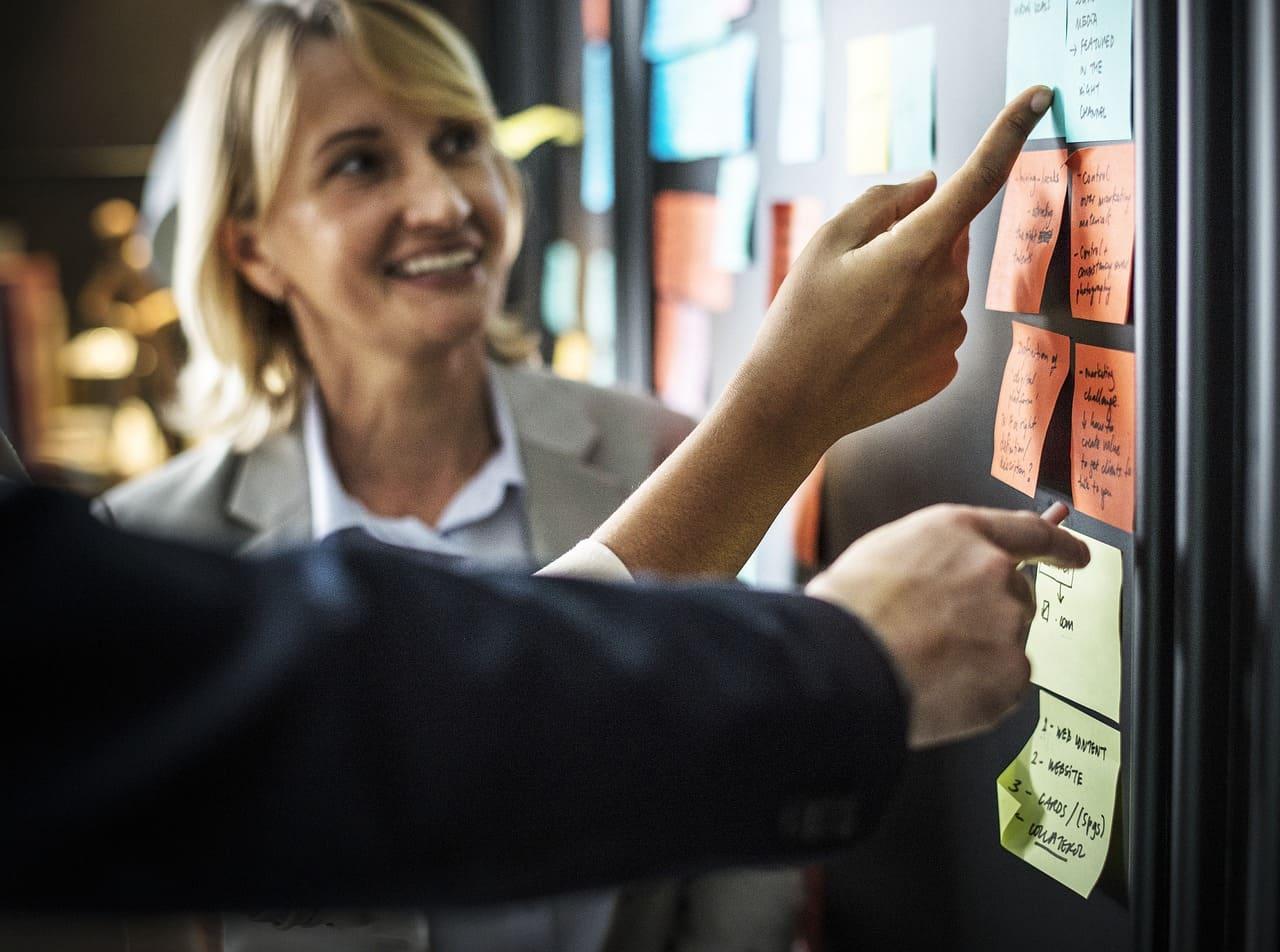 Quels outils pour mettre en place une gestion prévisionnelle des emplois et des compétences?