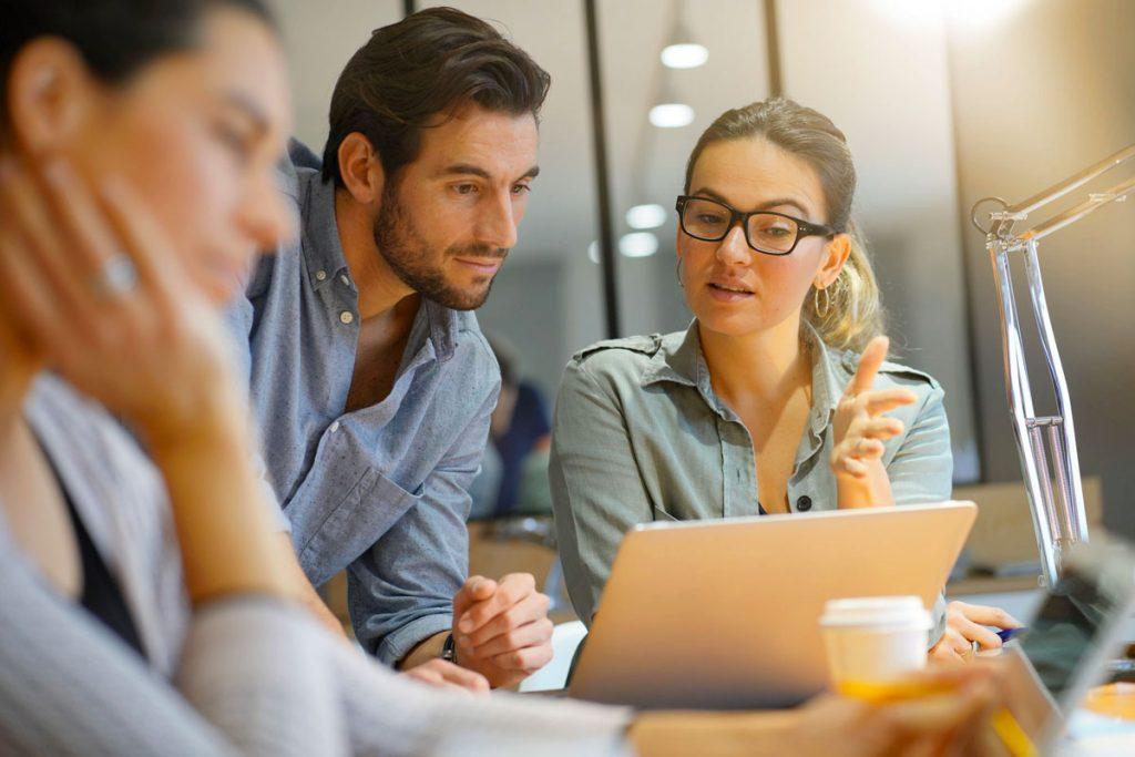 optimiser la gestion des absences et conges avec un logiciel sirh